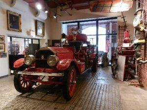 Perbedaan antara Museum Pemadam Kebakaran Modern dan Museum Pemadam Kebakaran Kuno